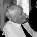 Desmond Llewelyn
